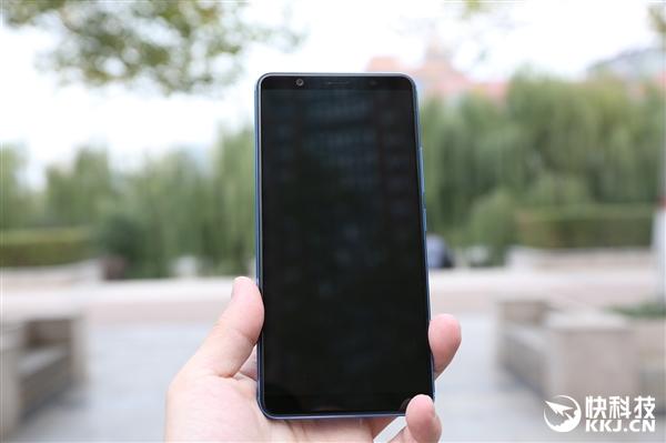 vivo X20蓝色版开箱图赏:6英寸全面屏质感不凡