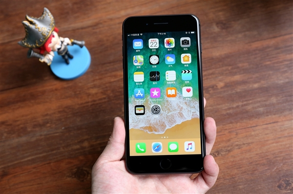 iPhone 8 Plus国行价格暴降!太狠了