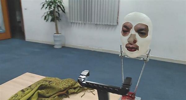 当心了!面具竟骗过iPhone X人脸识别:轻松解锁
