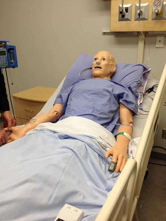 研究发现女性CPR施救率低于男性:多数人不敢轻易碰胸