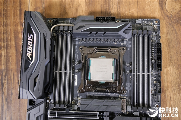 技嘉AORUS X299 Gaming 9主板开箱图赏:5599元电竞神器