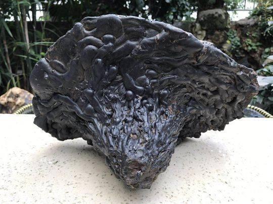 香格里拉陨石1克卖20万!专家:矿渣而已