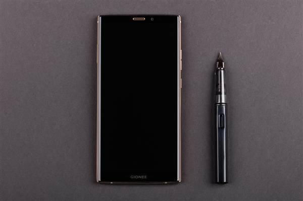 金立M7 Plus图赏:奢华设计 商务范十足