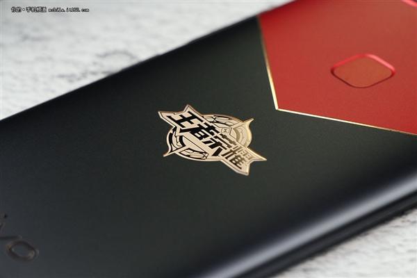 vivo X20王者荣耀限定版图赏:红黑撞色设计帅爆
