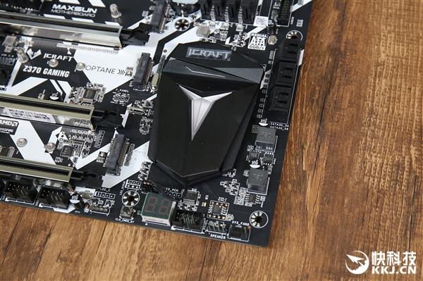 8代CPU超频御座!铭�u电竞之心Z370主板开箱图赏