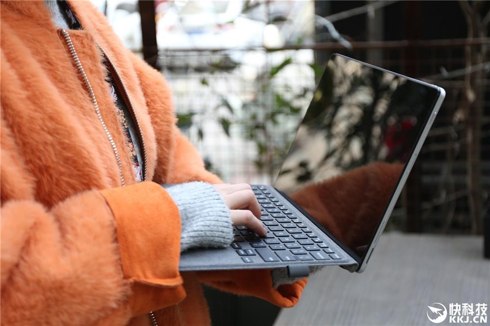 Intel让你免费4G上网!戴尔二合一本图赏