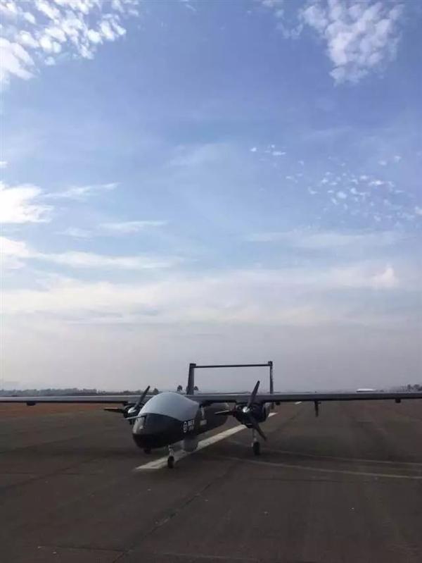 顺丰展示超强无人机:航程3000公里
