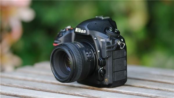 日本网友评年度相机:尼康D850摘得魁首
