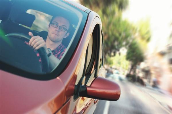 日常正在开发B2V汽车辅助驾驶技术:能读取驾驶员意图