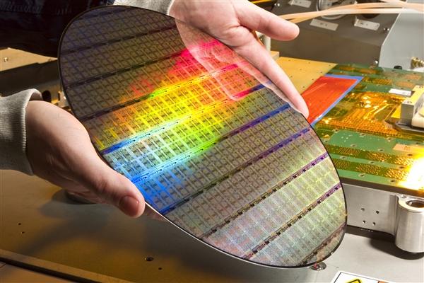 Intel处理器漏洞闹大!高通也中招 AMD说了一句实话