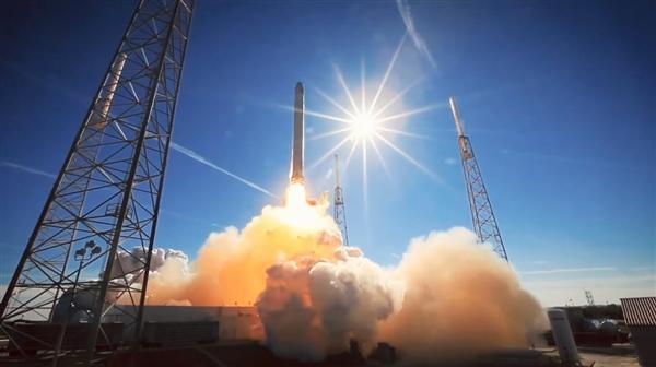 "SpaceX完成2018第一次发射任务:携带神秘飞船""Zuma"""