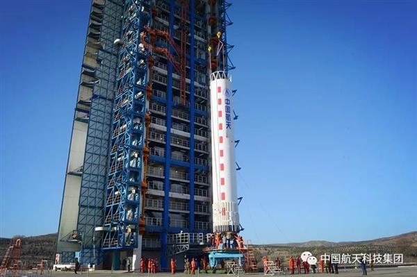2018中国航天开门红:长二丁火箭成功发射高景一号02组卫星