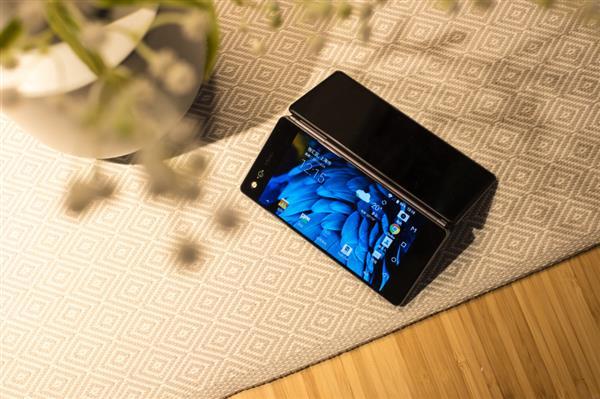 微博惊现最强体验师 手机大佬会面竟为开黑?