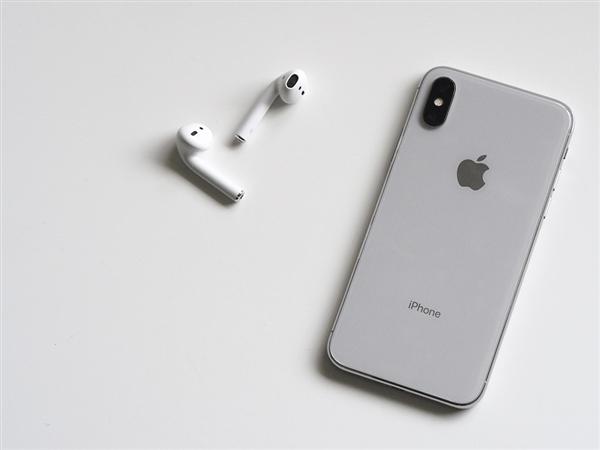 苹果狂抢OLED屏资源!新Phone X Plus要配6.5寸屏
