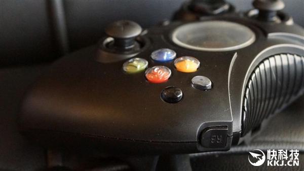 Xbox巨无霸手柄三月底面市