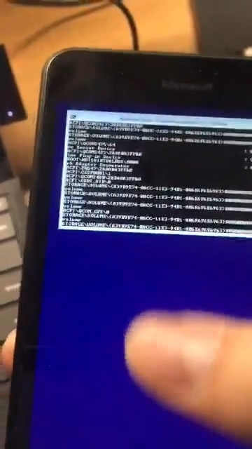 WP手机成功跑ARM Win10:还能触摸