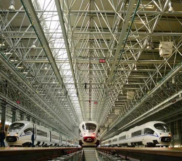 中国铁总:2025年建成3.8万公里高铁