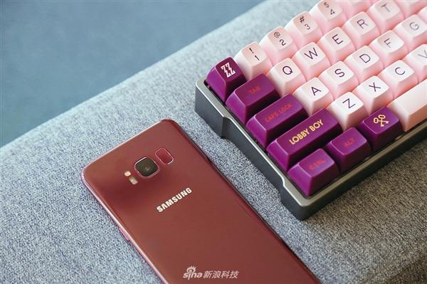 三星Galaxy S8勃艮第红图赏:颜值出众