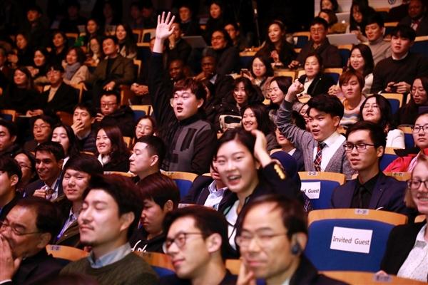 马云韩国演讲:阿里的成功 源于49%女性员工