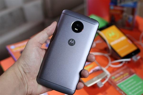 Moto E5真机曝光:logo指纹二合一设计