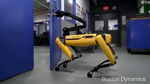 这就是波士顿最新研发的人形机器人:开门看呆了