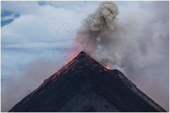 日本海底火山可能再次爆发:危及1亿人