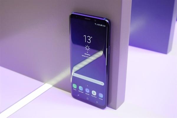 三星推出Galaxy X的时候,就会把屏幕折叠的体验做好