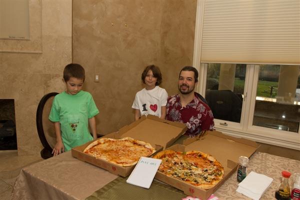 8年前用一万个比特币买2个披萨 今天他又出手了