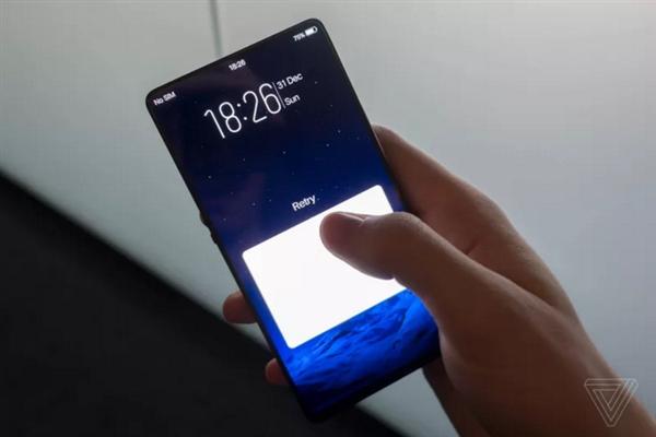 手机内部采用合并DAC和三路功放的Hi-Fi音频芯片设计