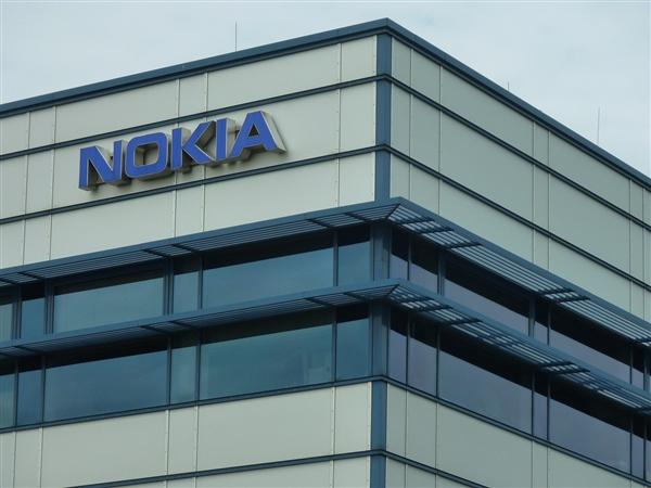 希望诺基亚在三到五年间跻身全球五大智能手机制造商之列