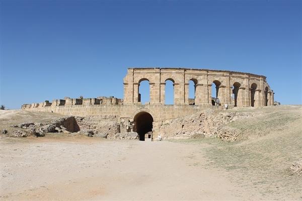 罗马修地铁又修出古罗马军事设施遗址
