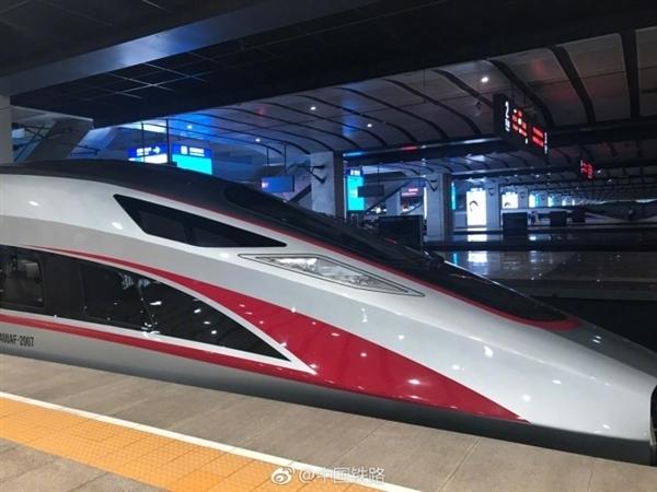"""中国自研""""超级高铁""""曝光:理论时速超1000公里"""