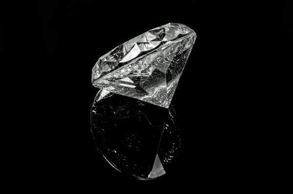钻石揭示地球地幔深处可能存在液态水
