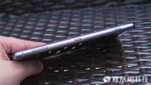 索尼Xperia XZ2图赏:3D玻璃颜值赞