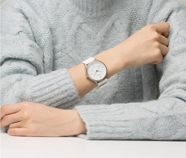 续航12个月 联想Watch 9智能手表开卖:129元