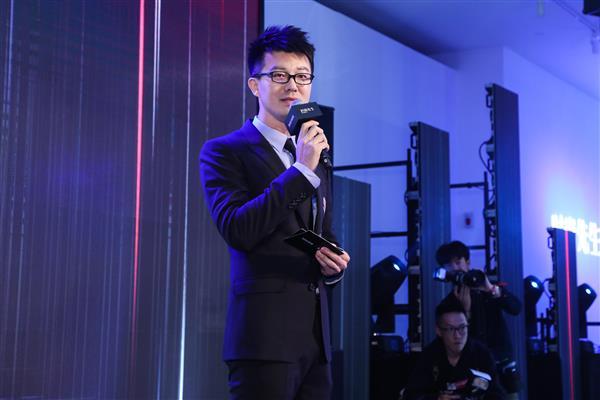 京东与《时尚先生Esquire》跨界携手 发布中国男性兴趣圈层风格指南
