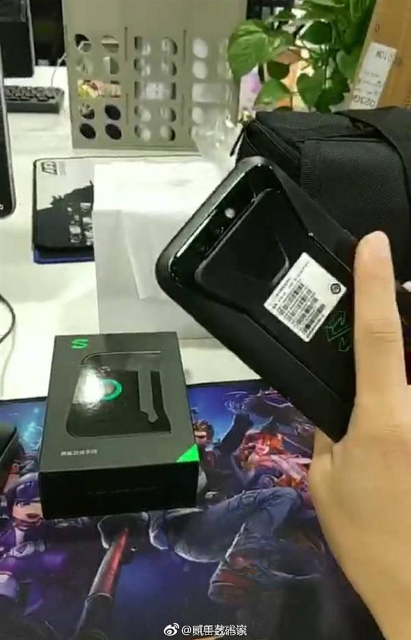 外观有爱!黑鲨游戏手机真机曝光:疑似运行定制版MIUI
