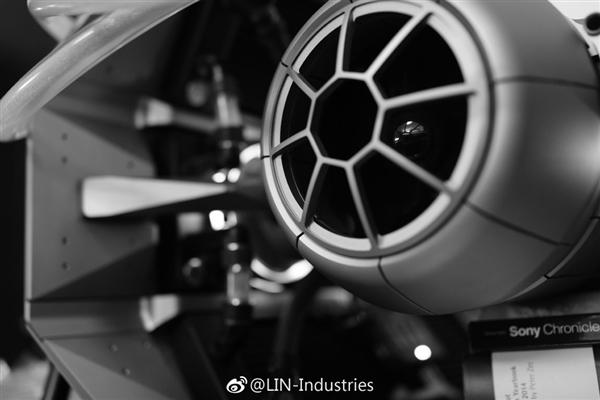 林俊杰晒星战定制主机:重达近150斤 王思聪送的Titan V