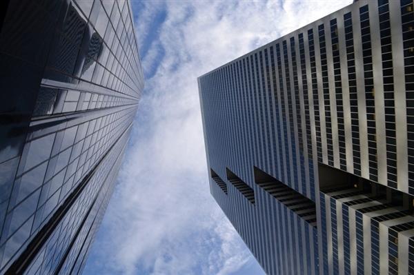 研究发现在高层建筑中 人们更愿意承担高风险