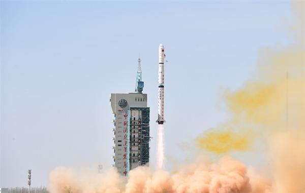 长征火箭274次飞天!我国首颗高光谱综合观测卫星高分五号发射成功