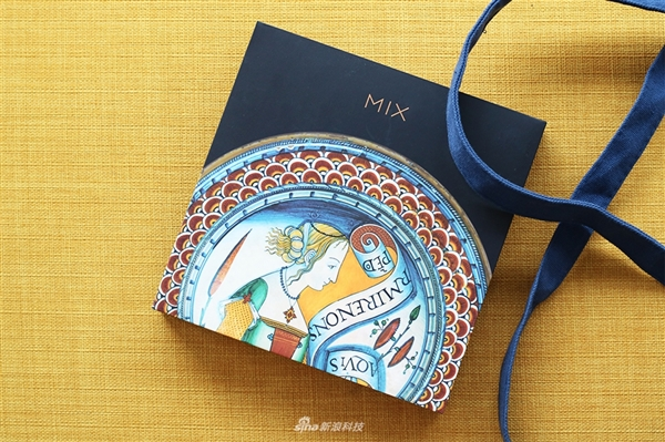 4299元!小米MIX 2S艺术特别版开箱图赏:今天开售