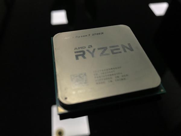 骚气的Ryzen 2700X装机实录