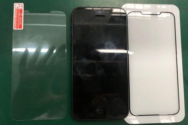 传iPhone SE二代9月发布:配原深感摄像头 支持无线充电