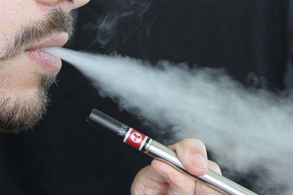 美国发生首例电子烟爆炸事件 一名佛罗里达男子不幸死亡