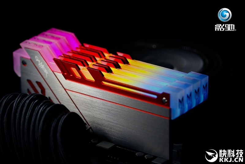 支持全平台主板!影驰极光幻影光效体验:10种RGB任你玩
