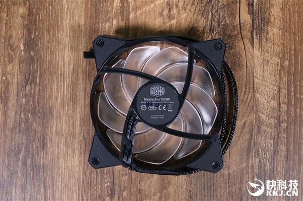 酷冷至尊冰神G240 RGB水冷散热器开箱:快科技定制Logo