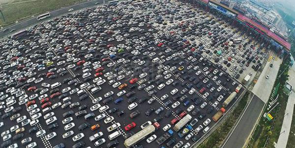 AliOS解决开车三大痛点 加油、停车、高速均可实现无感支付