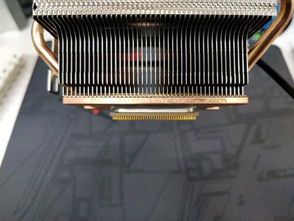 尴尬:AMD用户拔散热器将处理器带出来了