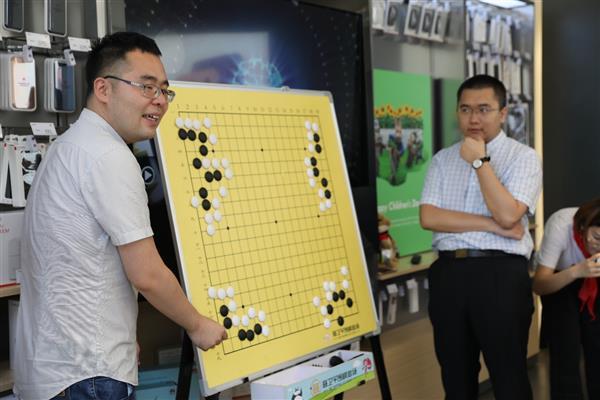 当华为Mate 10遇上围棋:一场特殊的儿童节折射用户沟通新密码