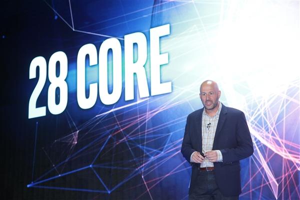 Intel宣布新一代28核心处理器!跑分太彪了